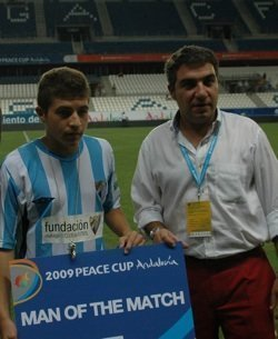 Peace_Cup_Noticia_Elias_mejor_jugador_Mlaga_Aston_Villa_web