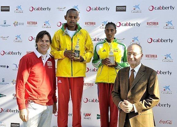 Francisco de la Torre y Damian Caneda junto a los campeones